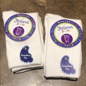 SINGLE PAIR Jefferies Newborn white knee socks